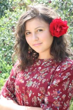 Вікторія  Поліщук,  17 років,  зріст 167 см. с. Ясенівка  Червоноармійського району.