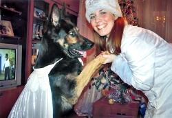 У ролі «сніжинки» — улюбленець родини, 11-річний пес Алекс